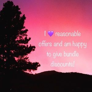 I 💜 bundles and reasonable offers!